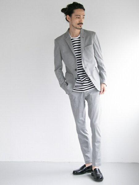 URBAN RESEARCHさんのTシャツ「Scye×URBAN RESEARCH 別注BORDER LOGO S/S T-SHIRTS」を使ったコーディネートを紹介します。|ファッション通販楽天ブランドアベニュー(旧スタイライフ Stylife)21713