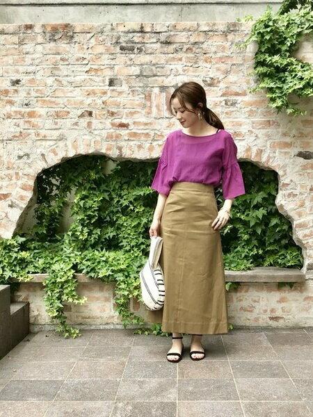 URBAN RESEARCHのリネンチノハイウエストロングスカートを使ったコーディネートを紹介します。|Rakuten Fashion(楽天ファッション/旧楽天ブランドアベニュー)22497