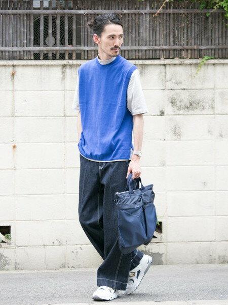 URBAN RESEARCHさんのTシャツ「モックネックショートスリーブTシャツ」を使ったコーディネートを紹介します。|ファッション通販楽天ブランドアベニュー(旧スタイライフ Stylife)24735