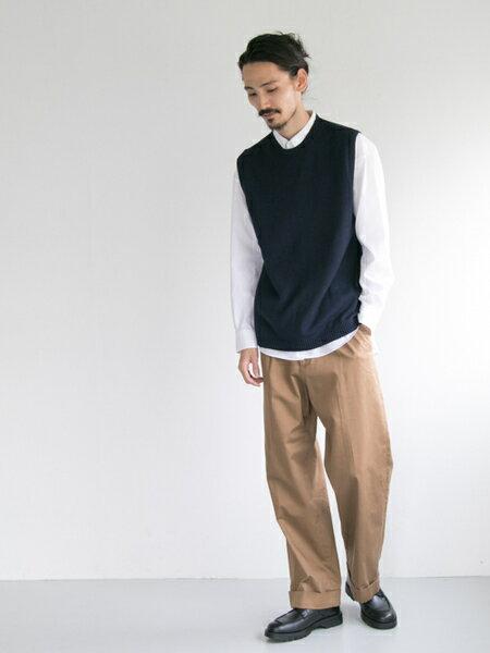 URBAN RESEARCHさんのパンツその他「コットンサテンワイドトラウザー」を使ったコーディネートを紹介します。|ファッション通販楽天ブランドアベニュー(旧スタイライフ Stylife)24960