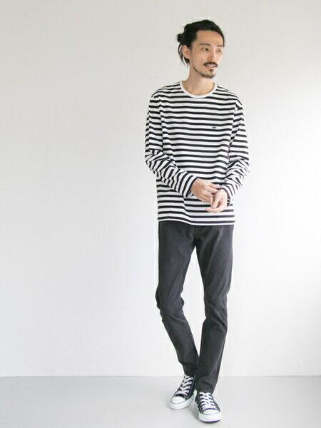 URBAN RESEARCHさんのTシャツ「Scye×URBAN RESEARCH 別注LOGO LONG-SLEEVE T-SHIRTS」を使ったコーディネートを紹介します。|ファッション通販楽天ブランドアベニュー(旧スタイライフ Stylife)25437