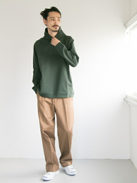 URBAN RESEARCHさんのパンツその他「コットンサテンワイドトラウザー」を使ったコーディネートを紹介します。|ファッション通販楽天ブランドアベニュー(旧スタイライフ Stylife)25439