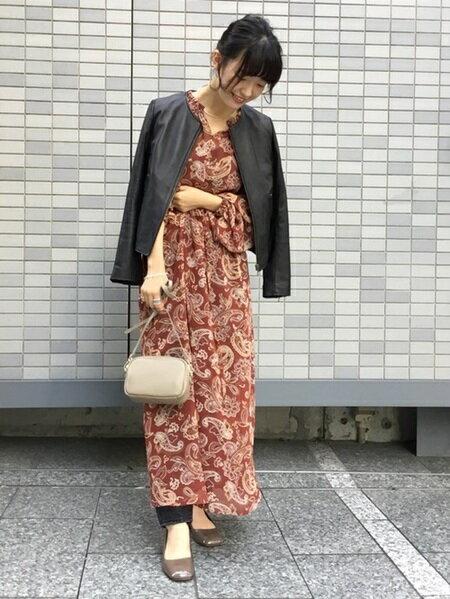 URBAN RESEARCHのラムレザーノーカラーブルゾンを使ったコーディネートを紹介します。|Rakuten Fashion(楽天ファッション/旧楽天ブランドアベニュー)25955