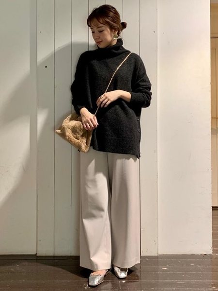 URBAN RESEARCHさんのバレエシューズ「スクエアトゥバレエシューズ」を使ったコーディネートを紹介します。|ファッション通販楽天ブランドアベニュー(旧スタイライフ Stylife)27961