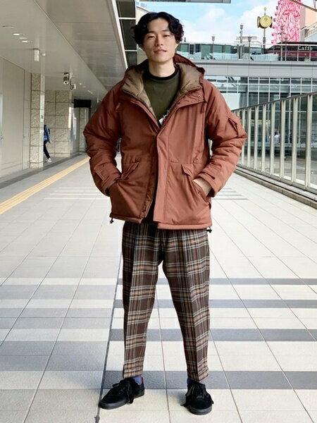 URBAN RESEARCHのCEASTERS別注1TUCKTROUSERを使ったコーディネートを紹介します。|Rakuten Fashion(楽天ファッション/旧楽天ブランドアベニュー)41754