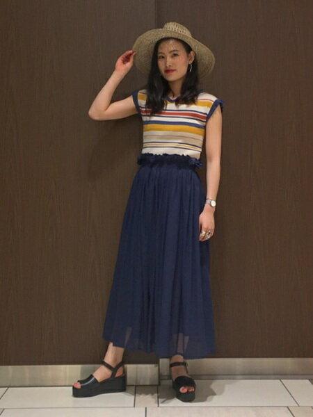 BEAMS WOMENさんのロングスカート「MARMARI / ギャザー ロング スカート Ray BEAMS レイビームス マルマリ」を使ったコーディネートを紹介します。|ファッション通販楽天ブランドアベニュー(旧スタイライフ Stylife)22596