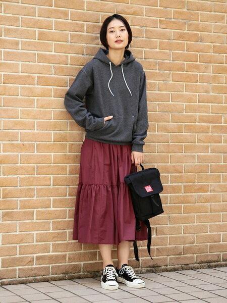 BEAMS WOMENさんのロングスカート「BEAMS BOY / コットン ナイロン ティアードスカート ビームス ボーイ オールシーズン」を使ったコーディネートを紹介します。|ファッション通販楽天ブランドアベニュー(旧スタイライフ Stylife)23441