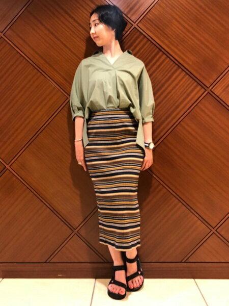 BEAMS WOMENさんのシャツ/ブラウスその他「バックボタンスキッパーBL」を使ったコーディネートを紹介します。|ファッション通販楽天ブランドアベニュー(旧スタイライフ Stylife)24914