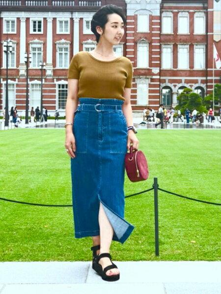 BEAMS WOMENさんのタイトスカート「Ray BEAMS / ベルテッド デニム タイトスカート レイビームス」を使ったコーディネートを紹介します。|ファッション通販楽天ブランドアベニュー(旧スタイライフ Stylife)25174