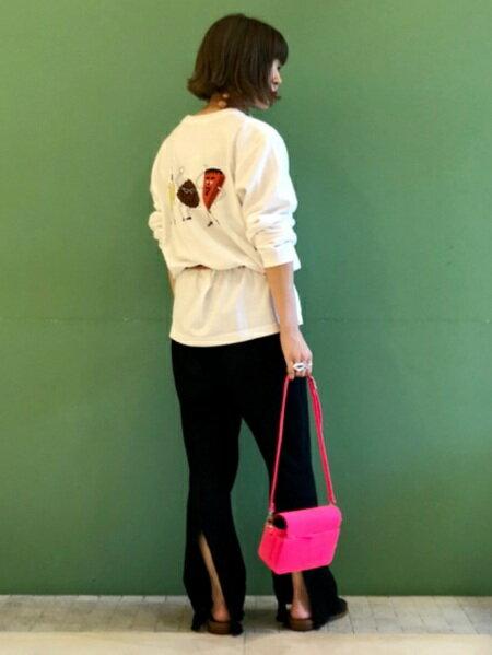 BEAMS WOMENさんのTシャツ「Sho Miyata × Ray BEAMS / 別注 sugarbros ロングTシャツ レイビームス ショウ ミヤタ ロンT レディース」を使ったコーディネートを紹介します。 ファッション通販楽天ブランドアベニュー(旧スタイライフ Stylife)25435