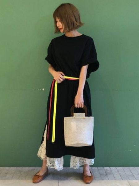 BEAMS WOMENさんの半袖ワンピース「Ray BEAMS / サイドスリット BigT ワンピース レイビームス」を使ったコーディネートを紹介します。|ファッション通販楽天ブランドアベニュー(旧スタイライフ Stylife)25973