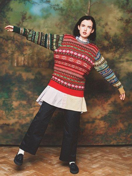 BEAMS WOMENさんのシャツワンピース「INDIVIDUALIZED SHIRTS / 別注 オックスフォード クレイジー スモック ワンピース」を使ったコーディネートを紹介します。|ファッション通販楽天ブランドアベニュー(旧スタイライフ Stylife)26258