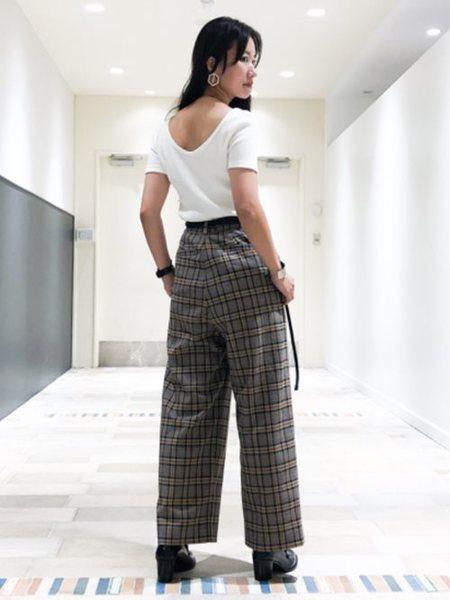 BEAMS WOMENさんのワイド/バギーパンツ「Ray BEAMS / チェック 1タック ワイドパンツ レイビームス ビームス レディース」を使ったコーディネートを紹介します。|ファッション通販楽天ブランドアベニュー(旧スタイライフ Stylife)26358