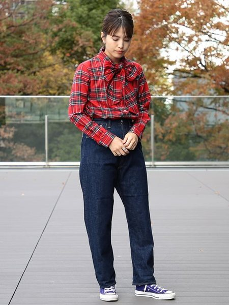 BEAMS WOMENさんの長袖シャツ「BEAMS BOY / ネル タータン アスコットタイ 2 ビームス ボーイ レディース シャツ」を使ったコーディネートを紹介します。 ファッション通販楽天ブランドアベニュー(旧スタイライフ Stylife)28452