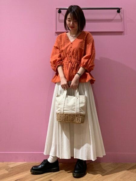 BEAMS WOMENさんのロングスカート「Ray BEAMS/ヨウリュウギャザーマキシスカート」を使ったコーディネートを紹介します。|ファッション通販楽天ブランドアベニュー(旧スタイライフ Stylife)32822