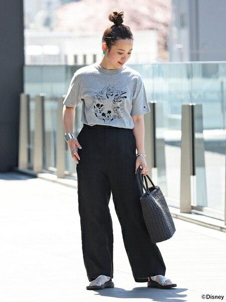 BEAMS WOMENさんのパンツその他「BEAMS BOY / リネン ベイカーパンツ ビームス ボーイ レディース ワイドパンツ リゾート シンプル」を使ったコーディネートを紹介します。 ファッション通販楽天ブランドアベニュー(旧スタイライフ Stylife)33378