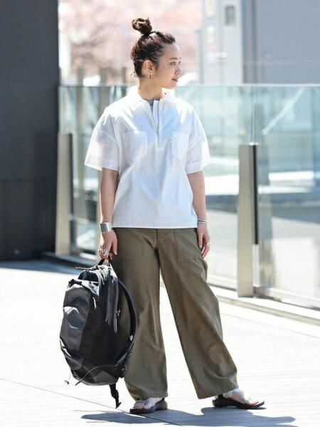 BEAMS WOMENさんの半袖シャツ「BEAMS BOY / ハーフジップ ワーク ショートスリーブ ビームス ボーイ レディース 半袖 」を使ったコーディネートを紹介します。|ファッション通販楽天ブランドアベニュー(旧スタイライフ Stylife)33379
