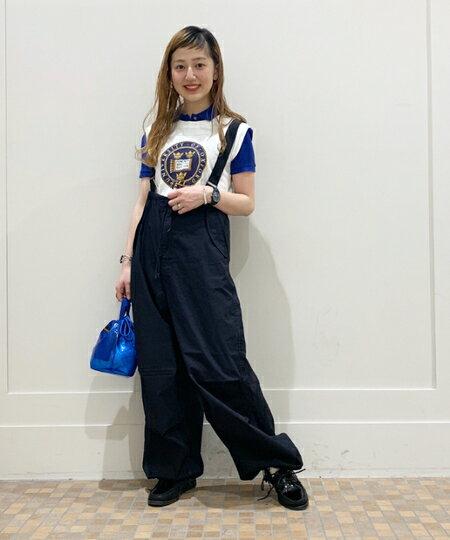 BEAMS WOMENさんのハンドバッグ「NAPRON / クリア ミニ ペイシェント バッグ 巾着 ショルダーバッグ クリア ビニールバッグ」を使ったコーディネートを紹介します。 ファッション通販楽天ブランドアベニュー(旧スタイライフ Stylife)34026
