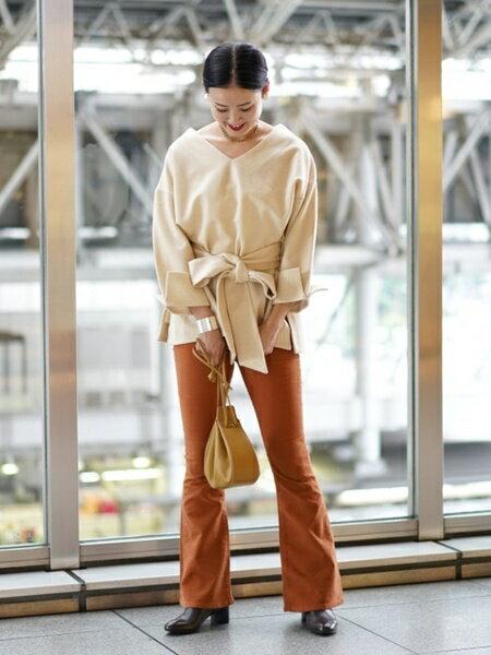 BEAMS WOMENのRay BEAMS / ワイド リボン ベルト Vネック プルオーバー レイビームス ビームス beams レディース 長袖 ウールを使ったコーディネートを紹介します。|Rakuten Fashion(楽天ファッション/旧楽天ブランドアベニュー)42916