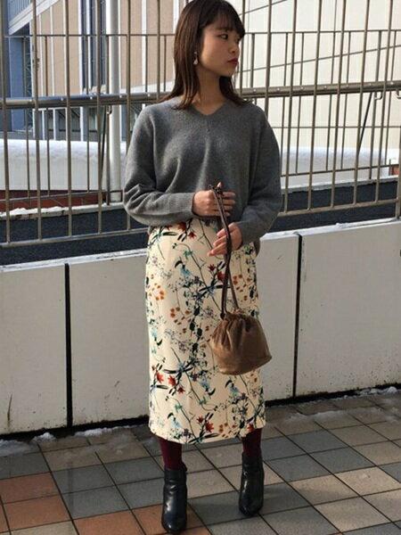 ADAM ET ROPE'さんのスカートその他「flower printed skirt」を使ったコーディネートを紹介します。|ファッション通販楽天ブランドアベニュー(旧スタイライフ Stylife)14915