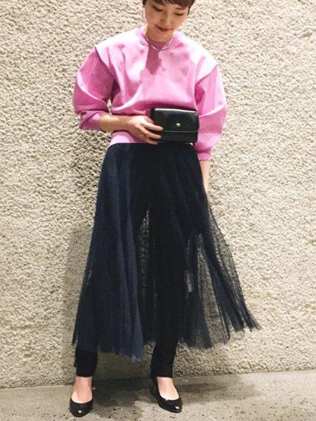ADAM ET ROPE'の強撚クルーネックプルオーバーを使ったコーディネートを紹介します。|Rakuten Fashion(楽天ファッション/旧楽天ブランドアベニュー)21282