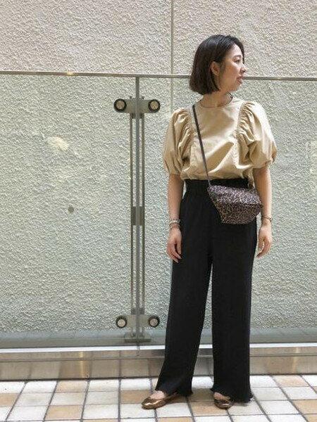ADAM ET ROPE'さんのシャツ/ブラウスその他「ブロードギャザースリーブブラウス」を使ったコーディネートを紹介します。|ファッション通販楽天ブランドアベニュー(旧スタイライフ Stylife)22877