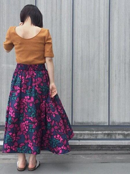 ADAM ET ROPE'のコーディネートを紹介します。|Rakuten Fashion(楽天ファッション/旧楽天ブランドアベニュー)24015