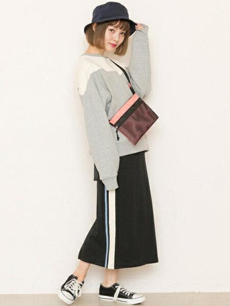 Ray Cassinさんのスカートその他「サイドライン裏毛スカート」を使ったコーディネートを紹介します。|ファッション通販楽天ブランドアベニュー(旧スタイライフ Stylife)19521
