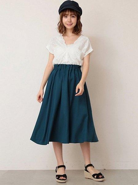 Ray Cassinさんのフレアスカート「TRインベルフレアスカート」を使ったコーディネートを紹介します。|ファッション通販楽天ブランドアベニュー(旧スタイライフ Stylife)24113