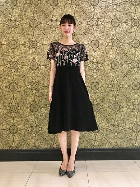 GRACE CONTINENTALのフラワー刺繍フレアワンピースを使ったコーディネートを紹介します。|Rakuten Fashion(楽天ファッション/旧楽天ブランドアベニュー)41762