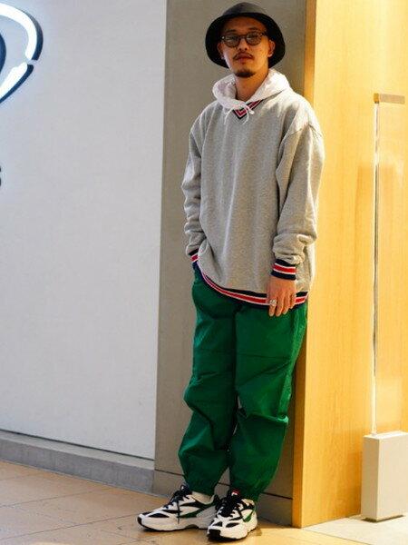 BEAMS MENさんのワイド/バギーパンツ「BEAMS / カラー ワイド イージーパンツ」を使ったコーディネートを紹介します。|ファッション通販楽天ブランドアベニュー(旧スタイライフ Stylife)30099