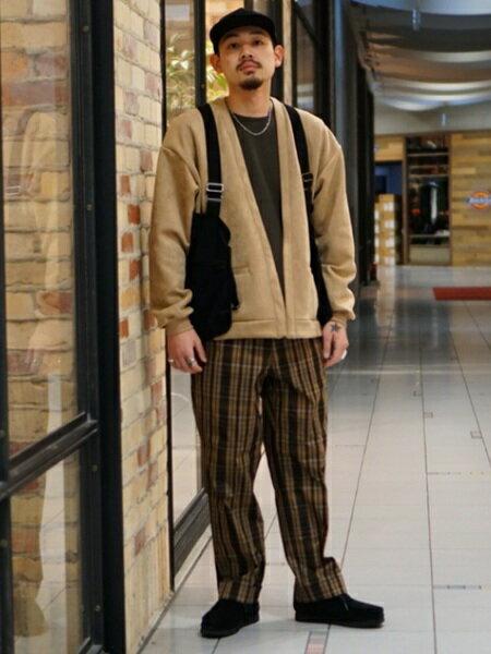 BEAMS MENさんのハーフコート「BEAMS / フェイク スエード カーディガン」を使ったコーディネートを紹介します。|ファッション通販楽天ブランドアベニュー(旧スタイライフ Stylife)31478
