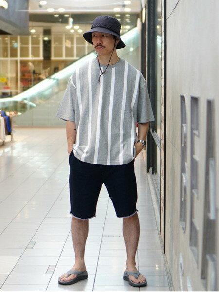 BEAMS MENさんのTシャツ「BEAMS / ストライプ Tシャツ」を使ったコーディネートを紹介します。 ファッション通販楽天ブランドアベニュー(旧スタイライフ Stylife)36515