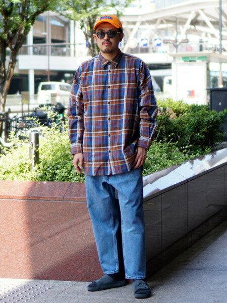 BEAMS MENのBEAMS / バギーテーパードデニム ビームスを使ったコーディネートを紹介します。|Rakuten Fashion(楽天ファッション/旧楽天ブランドアベニュー)38964