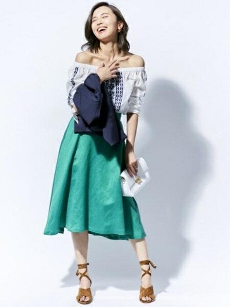ROPE'さんのフレアスカート「【オックスフォード】リネンフレアスカート」を使ったコーディネートを紹介します。|ファッション通販楽天ブランドアベニュー(旧スタイライフ Stylife)8744