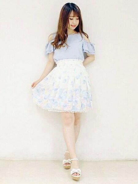 LODISPOTTOさんのフレアスカート「ひらひらROSEパネルスカート」を使ったコーディネートを紹介します。|ファッション通販楽天ブランドアベニュー(旧スタイライフ Stylife)22275