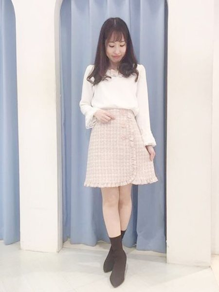 LODISPOTTOさんのタイトスカート「ロマンスツイードスウィートフリルミニスカート」を使ったコーディネートを紹介します。|ファッション通販楽天ブランドアベニュー(旧スタイライフ Stylife)30200