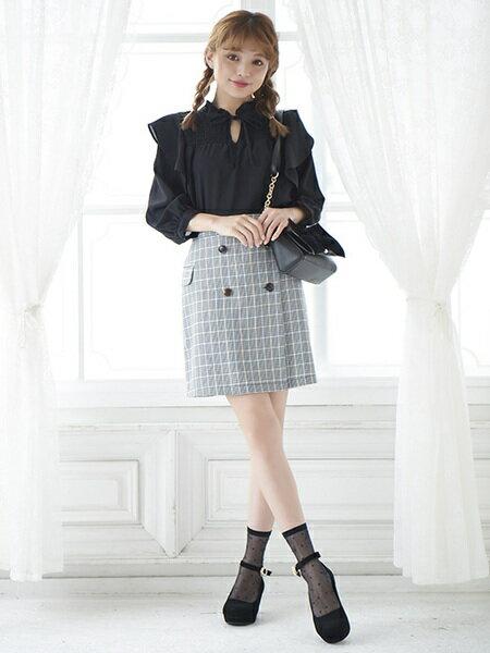 MAJESTIC LEGONさんのミニスカート「チェック柄フラップAラインスカート」を使ったコーディネートを紹介します。|ファッション通販楽天ブランドアベニュー(旧スタイライフ Stylife)25799
