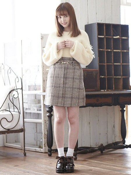MAJESTIC LEGONのビットウエストミニスカートを使ったコーディネートを紹介します。 Rakuten Fashion(楽天ファッション/旧楽天ブランドアベニュー)29119