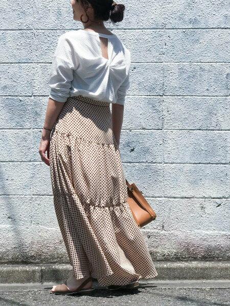 nano・universeのスクエアドットティアードスカートを使ったコーディネートを紹介します。|Rakuten Fashion(楽天ファッション/旧楽天ブランドアベニュー)36728