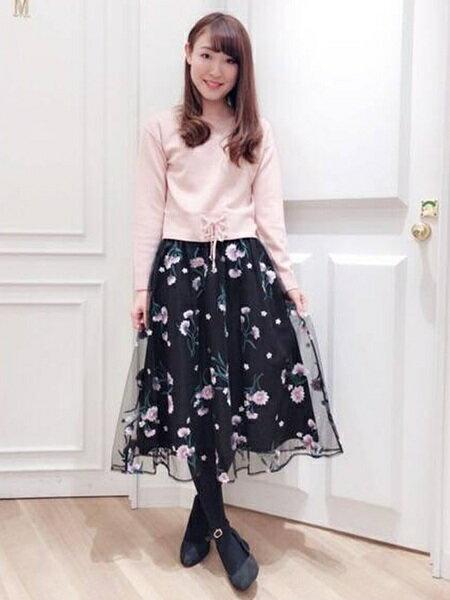 MISCH MASCHさんのフレアスカート「チュール刺繍スカート」を使ったコーディネートを紹介します。|ファッション通販楽天ブランドアベニュー(旧スタイライフ Stylife)18576