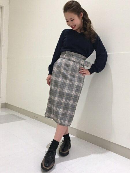 INGNIさんのタイトスカート「S・共ベルト付チェック柄ナロー/SK」を使ったコーディネートを紹介します。|ファッション通販楽天ブランドアベニュー(旧スタイライフ Stylife)16704
