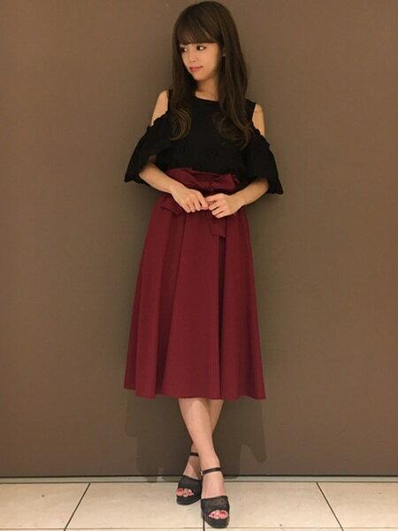 INGNIさんのフレアスカート「C・サッシュベルト付肉薄ミディ/SK」を使ったコーディネートを紹介します。 ファッション通販楽天ブランドアベニュー(旧スタイライフ Stylife)23557