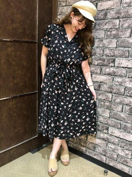 INGNIさんの半袖ワンピース「S・開襟衿花柄/OP」を使ったコーディネートを紹介します。|ファッション通販楽天ブランドアベニュー(旧スタイライフ Stylife)24276