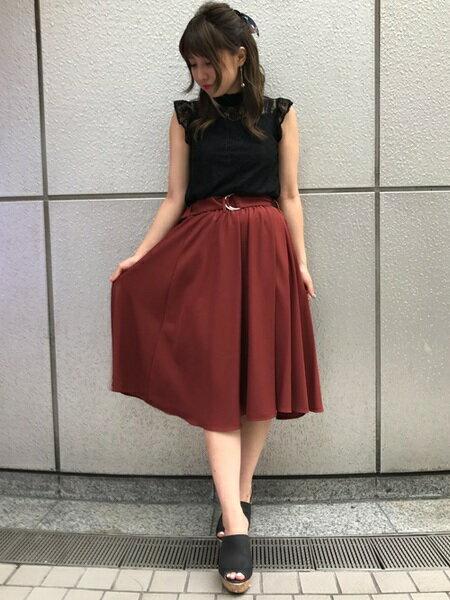 INGNIさんのフレアスカート「Dカンサッシュ付ミディ/スカート」を使ったコーディネートを紹介します。 ファッション通販楽天ブランドアベニュー(旧スタイライフ Stylife)24604
