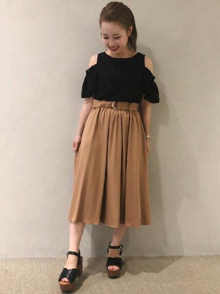 INGNIさんのフレアスカート「Dカンサッシュ付ミディ/スカート」を使ったコーディネートを紹介します。|ファッション通販楽天ブランドアベニュー(旧スタイライフ Stylife)24815