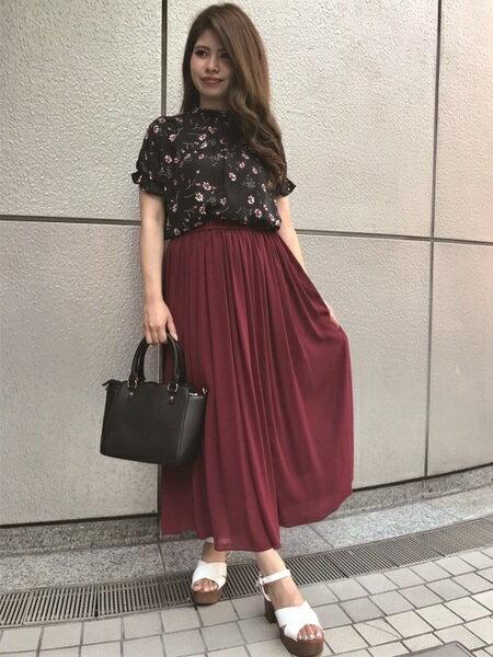 INGNIさんのロングスカート「シフォン楊柳ロング/スカート」を使ったコーディネートを紹介します。|ファッション通販楽天ブランドアベニュー(旧スタイライフ Stylife)25042