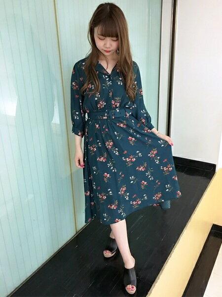 INGNIさんのシャツワンピース「花柄/開襟ワンピース」を使ったコーディネートを紹介します。|ファッション通販楽天ブランドアベニュー(旧スタイライフ Stylife)25308