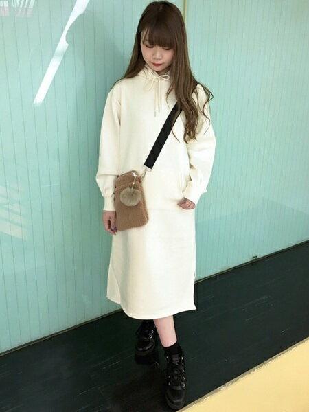INGNIさんのショルダーバッグ「ボアミニショルダーバッグ」を使ったコーディネートを紹介します。 ファッション通販楽天ブランドアベニュー(旧スタイライフ Stylife)27292