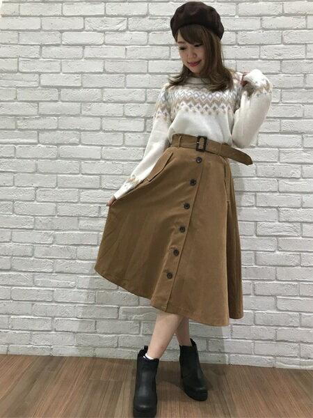 INGNIさんの台形スカート/コクーンスカート「ピーチ前ボタンミディ/スカート」を使ったコーディネートを紹介します。|ファッション通販楽天ブランドアベニュー(旧スタイライフ Stylife)27838
